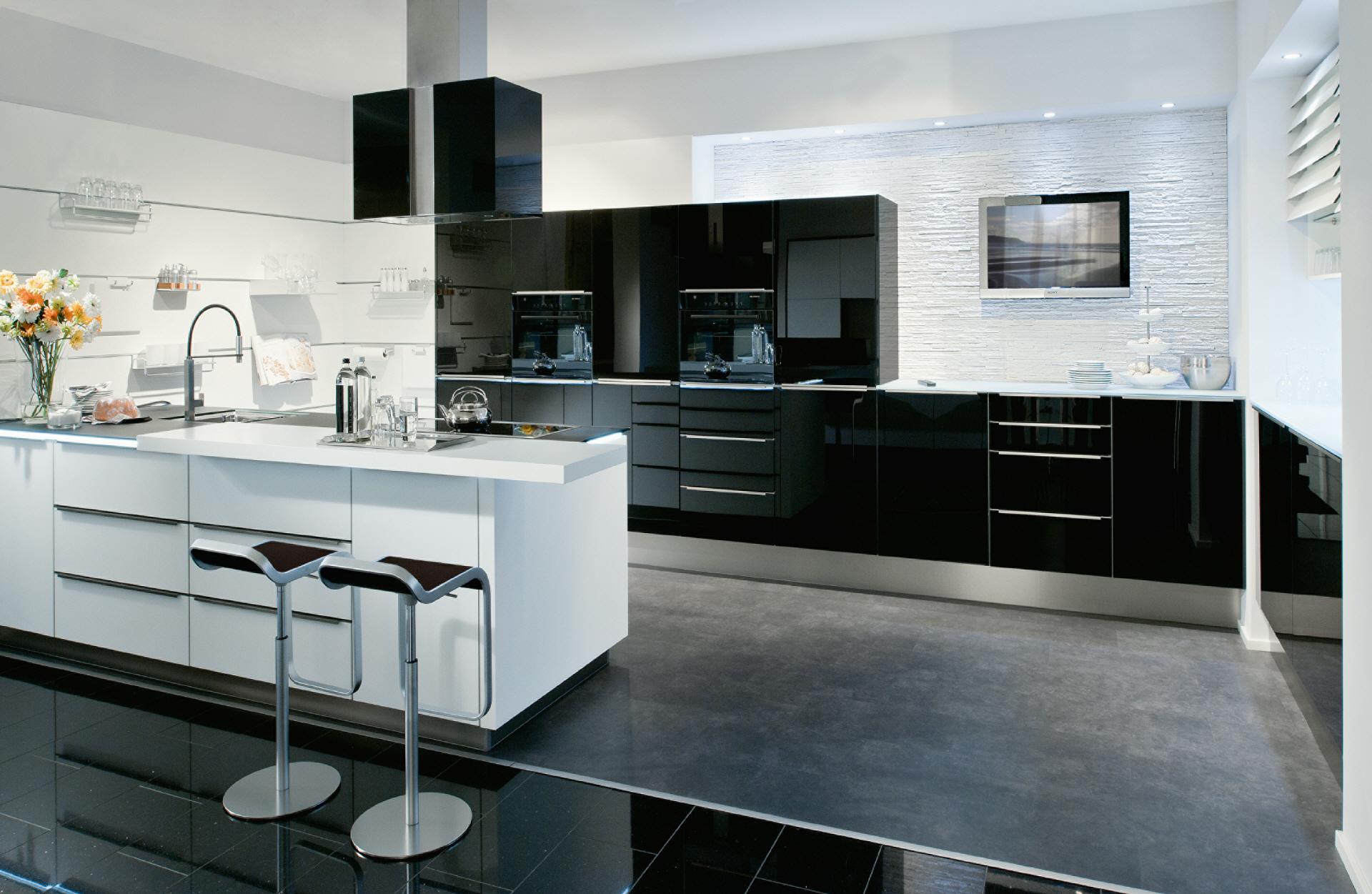 praktische k chen f r das kleine budget p sentiert vom. Black Bedroom Furniture Sets. Home Design Ideas